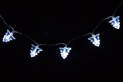 Svetelná reťaz - vianočné stromčeky - studeno biele