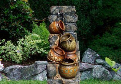 Záhradná fontána - fontána so štyrmi džbánmi