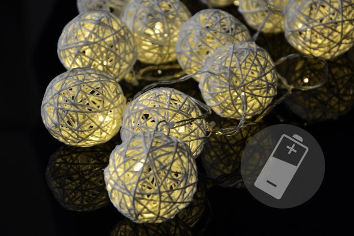 Vianočné LED osvetlenie - ratanové gule - 20 LED