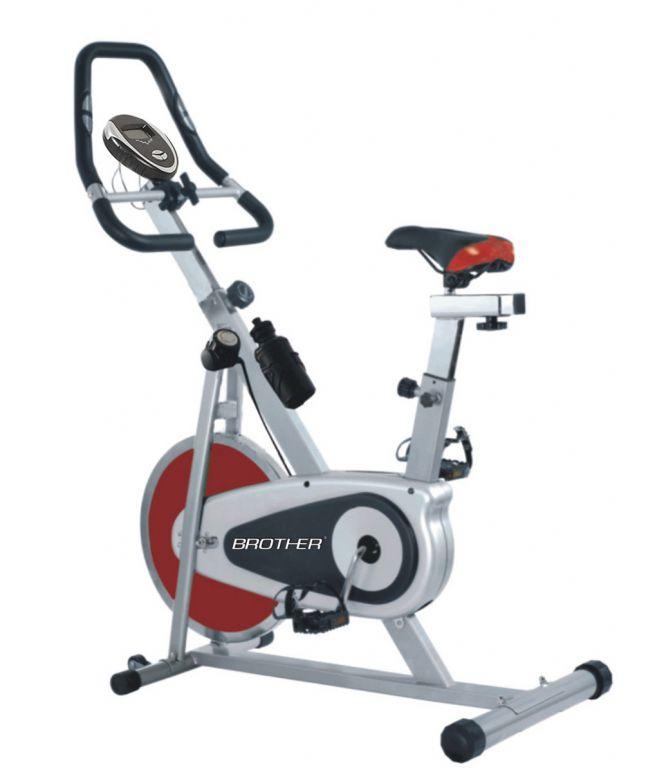 Cyklistický trenažér BC4620 s magnetickým odporom